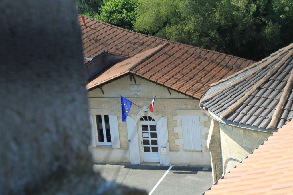 Vue de la mairie depuis l'église